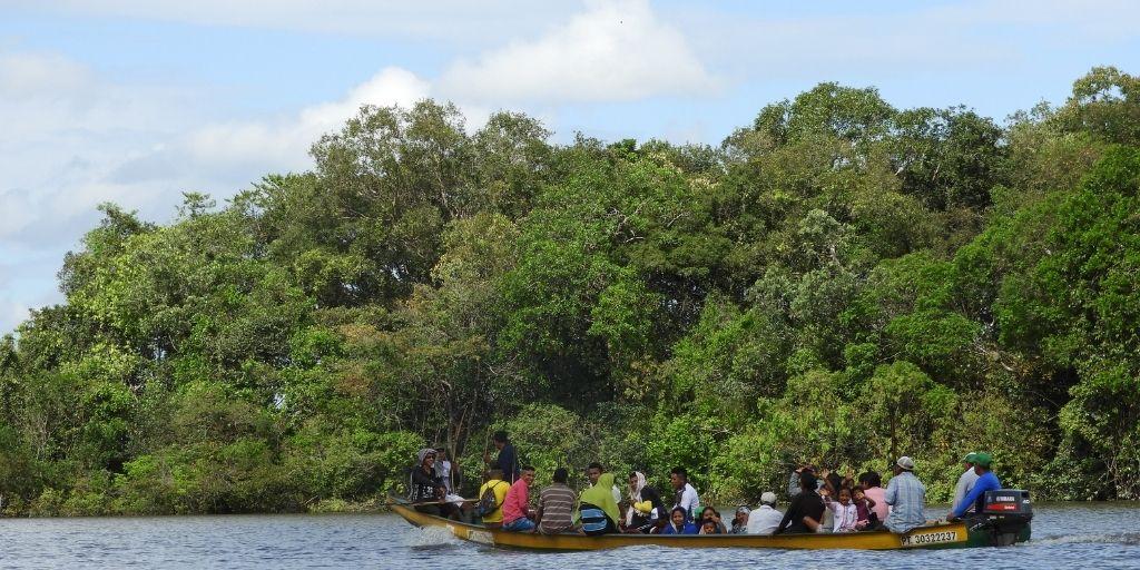 Más de 90 familias del territorio del cabildo indígena Aliwa Kupepe habitan en la zona del cráter. Foto: Instituto Humboldt.
