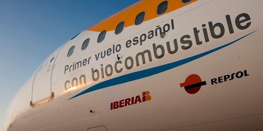 Un Airbus 320 de la aerolínea Iberia voló en 2011 con el 25% de biocombustible.